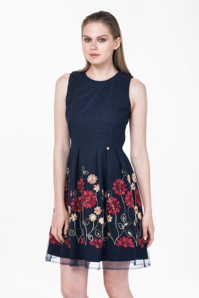 a72eaae5640e Φόρεμα άνοιγμα πλάτης φούστα κέντημα - 18165