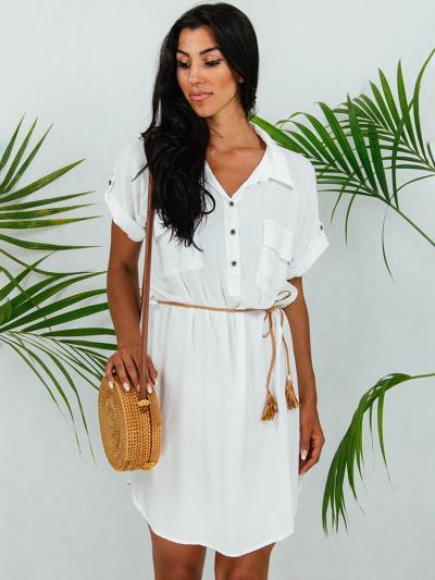 ea53db6697d6 Φόρεμα κοντό άσπρο με κουμπιά στο στήθος και τσέπες