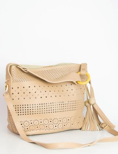 Γυναικεία μπεζ τσάντα ώμου δερματίνη διάτρητη 6012 899c225c5a7