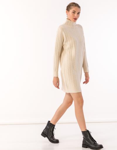 0a50d0485c3f Mini πλεκτό φόρεμα με ζιβάγκο και σχέδιο κοτσίδα